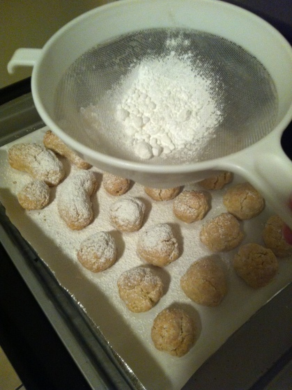 ...more powdered sugar!